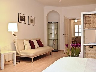 Bright 1 bedroom House in Innere Stadt - Innere Stadt vacation rentals