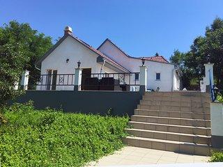 Luxe huis met zwembad, nabij spa en Balatonmeer - Igal vacation rentals