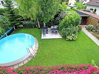 Bright 1 bedroom Vacation Rental in Gerasdorf bei Wien - Gerasdorf bei Wien vacation rentals