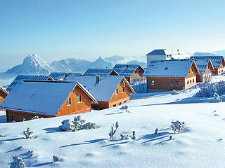 5 bedroom Villa in Ebensee, Salzkammergut, Austria : ref 2371306 - Ebensee vacation rentals