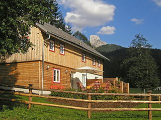 Comfortable Farmhouse Barn with Internet Access and Television - Saint Martin am Tennengebirge vacation rentals