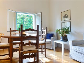 Bright 2 bedroom Apartment in Bologna with A/C - Bologna vacation rentals
