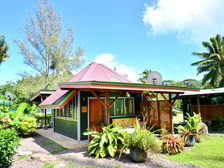1 bedroom House with Deck in Maharepa - Maharepa vacation rentals