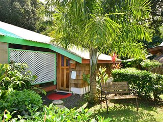 Perfect House with Satellite Or Cable TV and Boat Available - Haapiti vacation rentals