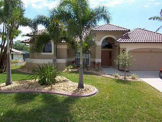 Villa Aurora - SE Cape Coral Intersection Fresh Water Canal, Luxury Pool Home, Contemporary Furnished, Sony Playstation 3 and more - Cape Coral vacation rentals