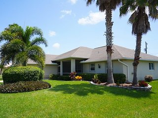 Villa Jenny - Cape Coral 3b/2ba home w/electric heated pool/spa, HSW Internet, - Cape Coral vacation rentals
