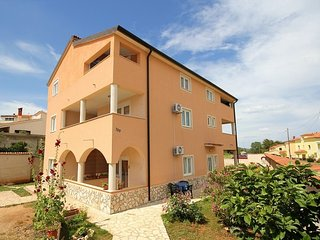 REKA(1049-2328) - Liznjan vacation rentals