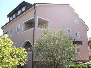 Adorable 2 bedroom House in Vantacici - Vantacici vacation rentals