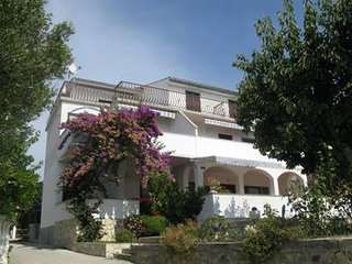 Cozy 2 bedroom House in Banjol - Banjol vacation rentals