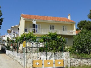 Bright 4 bedroom House in Primosten - Primosten vacation rentals