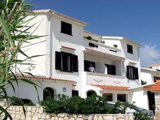 Lidija(1319-3387) - Pag vacation rentals