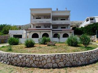 Doris(1320-3400) - Pag vacation rentals