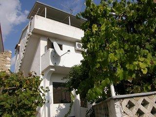 KINKELA(1337-3450) - Draga Bascanska vacation rentals