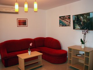 DERENCINOVIC KAY(142-344) - Draga Bascanska vacation rentals