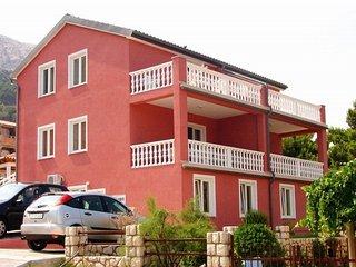 LOVINCIC IVAN(198-472) - Stara Baska vacation rentals