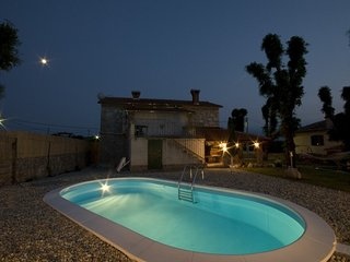 Nice 3 bedroom House in Rasopasno - Rasopasno vacation rentals