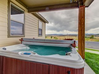 Beautiful modern townhouse w/ hot tub and shared swimming pool - Park City vacation rentals