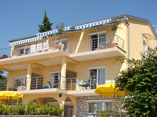 NOVOSELIC(287-687) - Dramalj vacation rentals