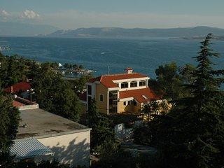 VILLA PERIИIЖ(321-823) - Dramalj vacation rentals