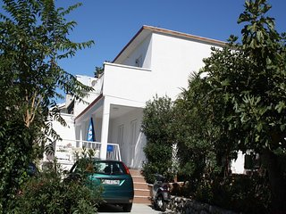 Adorable 1 bedroom House in Dramalj - Dramalj vacation rentals