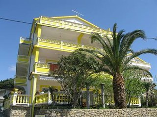 Bright 2 bedroom House in Banjol - Banjol vacation rentals