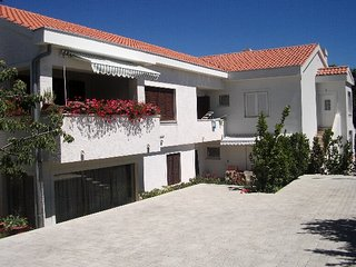 Bright 2 bedroom House in Baska - Baska vacation rentals