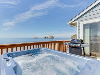 Beachfront, dog-friendly cottage w/ private hot tub and stunning views! - Oceanside vacation rentals