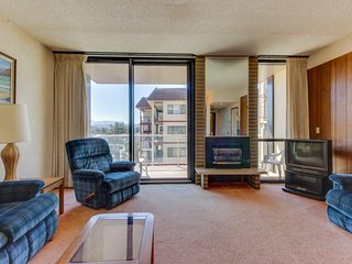 Dog-friendly condo w/ shared pool - right next to the beach - Seaside vacation rentals