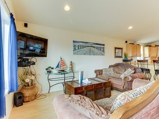 Dog-friendly with ocean views & bright interior! Just across street from beach! - Rockaway Beach vacation rentals