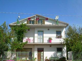 Nocciano:20 minutes away from Adriatic sea - Nocciano vacation rentals
