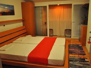 Modern studios in Ohrid 4 - The red studio - Ohrid vacation rentals