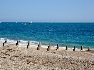 Steps From The Shore located in Hayling Island, Hampshire - Hayling Island vacation rentals