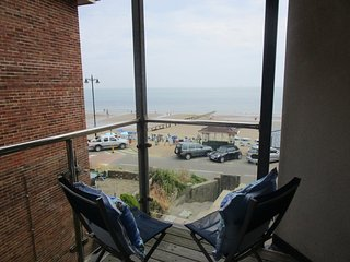 Lower Chine Apartment located in Shanklin, Isle Of Wight - Shanklin vacation rentals