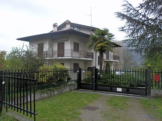 Nice Villa with Housekeeping Included and Balcony - Brovello vacation rentals