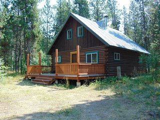 Log cabin next to the trail systems of Island Park. - Island Park vacation rentals