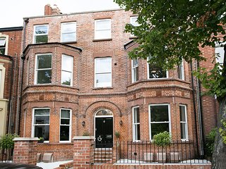2 bedroom Apartment with Internet Access in Belfast - Belfast vacation rentals