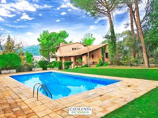 Countryside castle for 16-18 guests, 30km from Barcelona and the Mediterranean Sea - Castellar del Valles vacation rentals