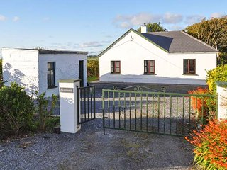 Nice House with Television and Washing Machine - Quilty vacation rentals