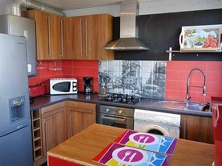 Beau F3 meublé lumineux place des Halles - Le Havre vacation rentals
