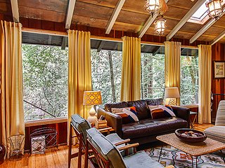 Charming 3 bedroom House in Guerneville with Deck - Guerneville vacation rentals