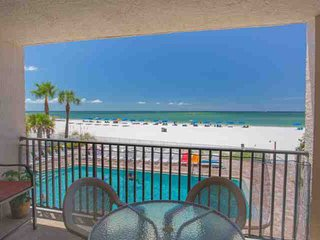 Beautiful Condo with Internet Access and A/C - Madeira Beach vacation rentals