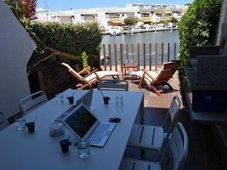 Marina Duplexe, Hôtel privé luxe - Port Camargue vacation rentals