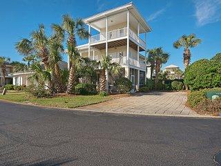 26 Topaz Cove Emerald Shores* (S) 4BR+Loft 3 BA - Sleeps 15 - Destin vacation rentals