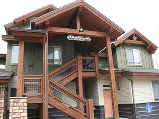 Beautiful 1 BDR + LOFT on the River - Dillon vacation rentals