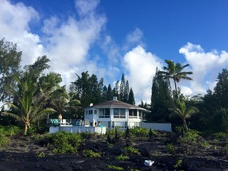 Ocean Front Home, with heated pool ~ Amazing views - Keaau vacation rentals
