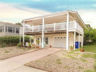 Colors Beach House, 3 bedrooms, ocean view, sleeps 8 - Saint Augustine vacation rentals