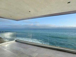 #154 Malibu Oceanfront 3 bedroom, 4 bathroom home. Sleeps 6 - Point Mugu vacation rentals