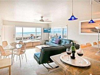 #101 Ocean Front North Mission Beach  Luxury Condo #1 - San Diego vacation rentals