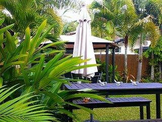 2 br Cairns holiday house Trinity Beach, spa bath - Trinity Beach vacation rentals