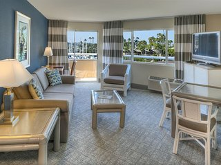 "1 Private Suite Bedroom ""Bay or Marina"" View! - Pacific Beach vacation rentals"
